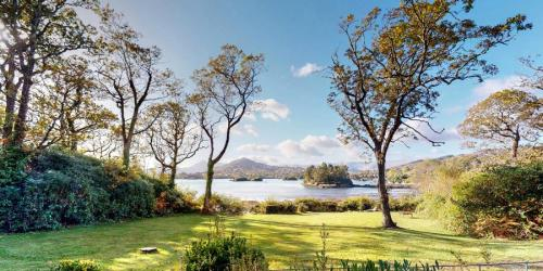 silver-birch-house-lower-garden-glengarriff-bay-view-900x450